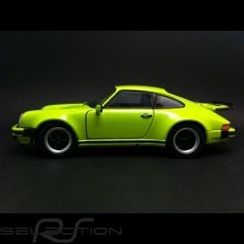 Porsche 911 Turbo 1975 Lichtgrün 1/24 Welly MAP02493014