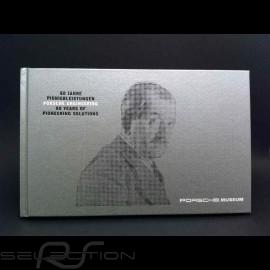 """Buch """" Porsche Engineering """" grau"""