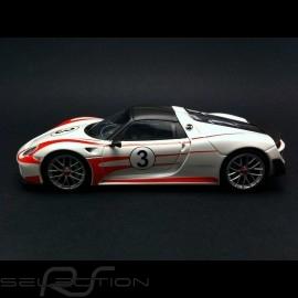 Porsche 918 Spyder Pack Weissach weiß / rot 1/43 Minichamps 410062131