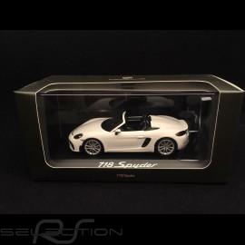Porsche 718 Boxster Spyder 2019  Weiß 1/43 Minichamps WAP0202100K