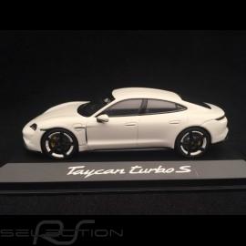 Porsche Taycan Turbo S 2019 Carraraweiß 1/43 Minichamps WAP0207800L