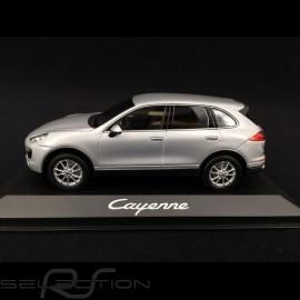 Porsche Cayenne V6 typ 958 2015 silbergrau metallic 1/43 Minichamps WAP0200020E