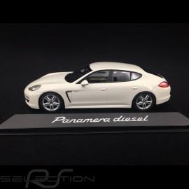 Porsche Panamera Diesel 2012 weiß 1/43 Minichamps WAP0200090C