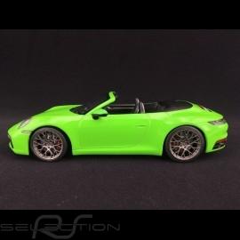 Porsche 911 typ 992 Carrera 4S Cabriolet 2019 Lizardgrün 1/18 Minichamps WAP0211730LM6B