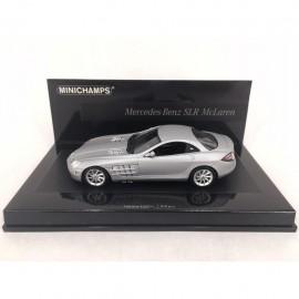 Mercedes-Benz SLR McLaren 2004 argent silver silber 1/43 Minichamps 436033021