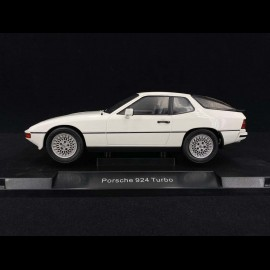 Porsche 924 Turbo 1979 weiß 1/18 Model Car Group MCG18194