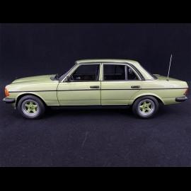 Mercedes-Benz 200 AMG 1984 Silbergrün Metallic 1/18 Norev 183795